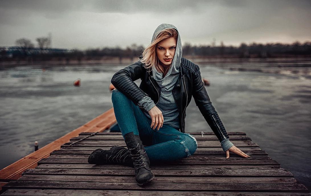 Portret kobiecy nad Odrą we Wrocławiu