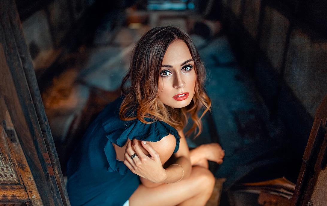 Portret dziewczyny w tramwaju we Wrocławiu