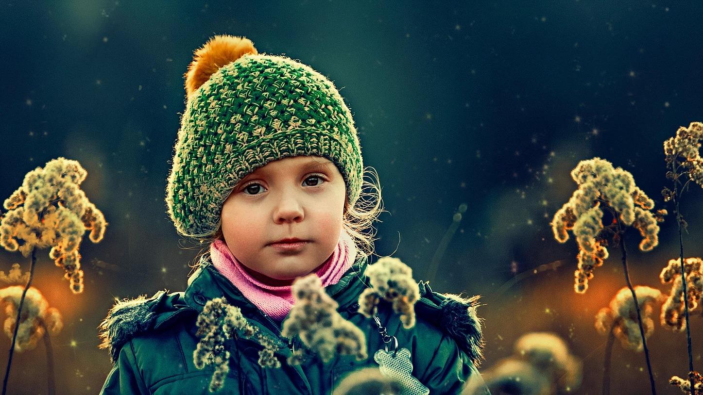 Portret dziewczynki z kwiatami