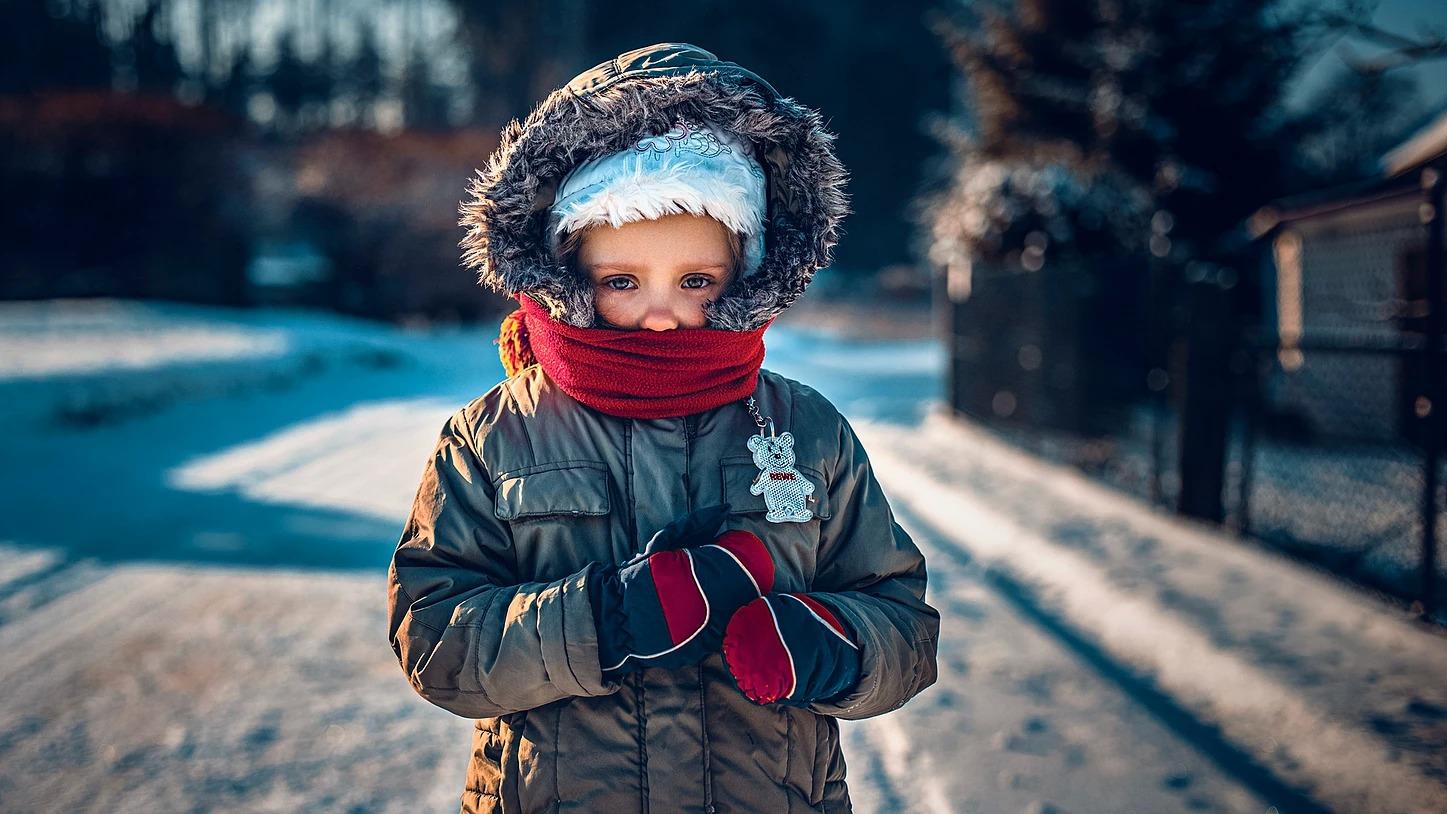 Portret dziewczynki w zimie w Prusicach